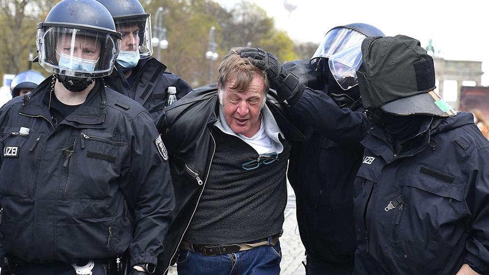 La policía desplegó un contingente de aproximadamente 2.200 agentes