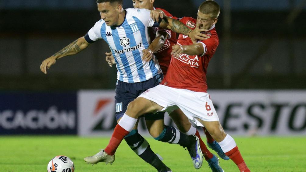 Empate en Uruguay en el debut de Racing en la Libertadores 2021.