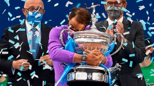 Nadal venció a Tsitsipas y logró el duodécimo título en Barcelona