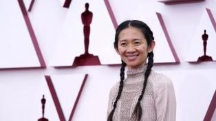 Chloé Zhao se convirtió en la segunda mujer en ganar el Oscar a mejor dirección