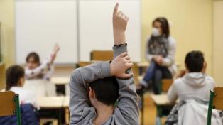 Francia reabrió sus escuelas primarias después de tres semanas de cierre