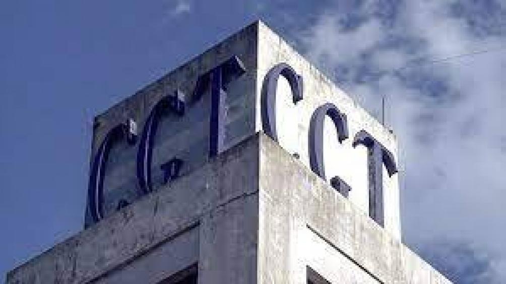 La CGT rechazó las expresiones del presidente de la la UIA, Daniel Funes de Rioja, quien consideró la posibilidad de que las empresas no abonen los salarios a los trabajadores que no se vacunen.