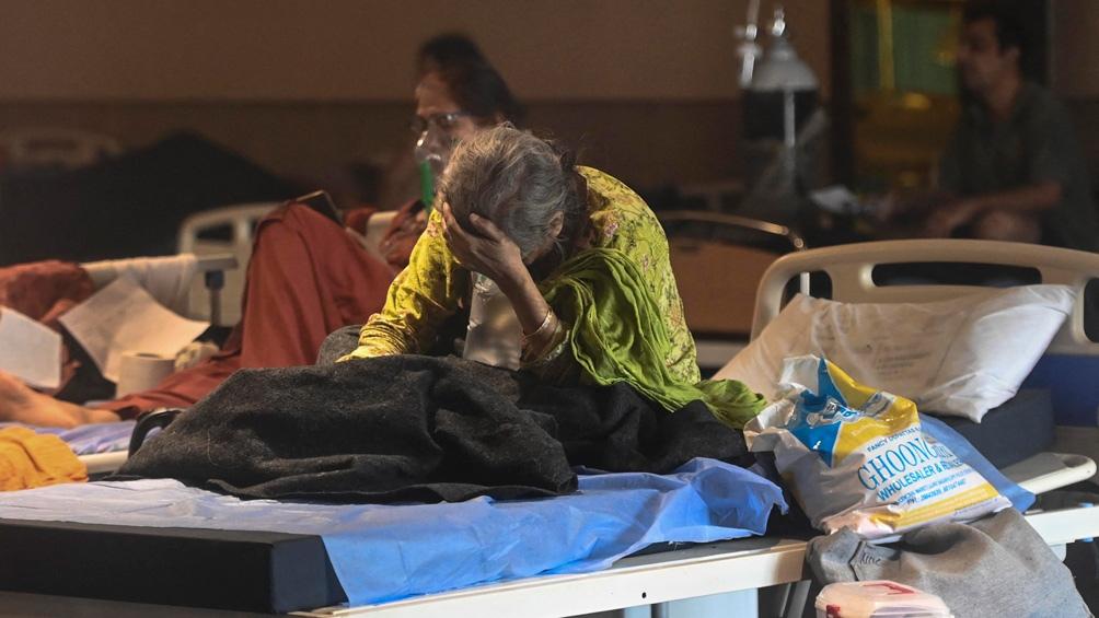 India suma un sexto día por encima de los 300.000 contagios de coronavirus, en medio de una crisis sanitaria