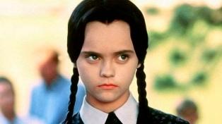 """Tim Burton prepara una serie de """"Los locos Addams""""  y busca sumar a Christina Ricci"""