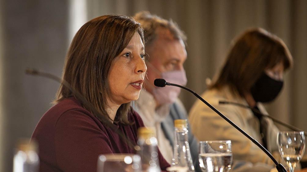 La gobernadora llamó a la conciencia de la población para cumplir las restricciones.