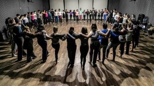 La danza aprovecha su día para seguir reclamando por una ley nacional