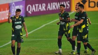 Defensa visita a Universitario de Perú por la Copa Libertadores
