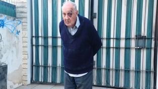 Despertaron a los golpes a un jubilado para robarle en su casa