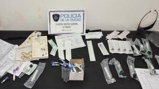 Detuvieron a tres mujeres que vendían test PCR truchos por 3500 pesos