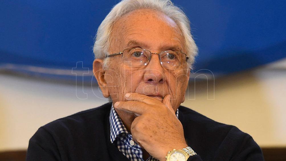 De vasta experiencia en el derecho laboral, Recalde se desempeñó como abogado de la Confederación General del Trabajo (CGT) durante la conducción de Hugo Moyano.