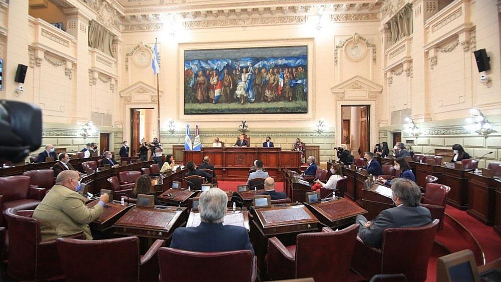 """Al dejar inaugurado el 139º período de sesiones ordinarias de la Legislatura local, Perotti le deseó """"una pronta mejoría y recuperación al ingeniero Miguel Lifschitz"""""""
