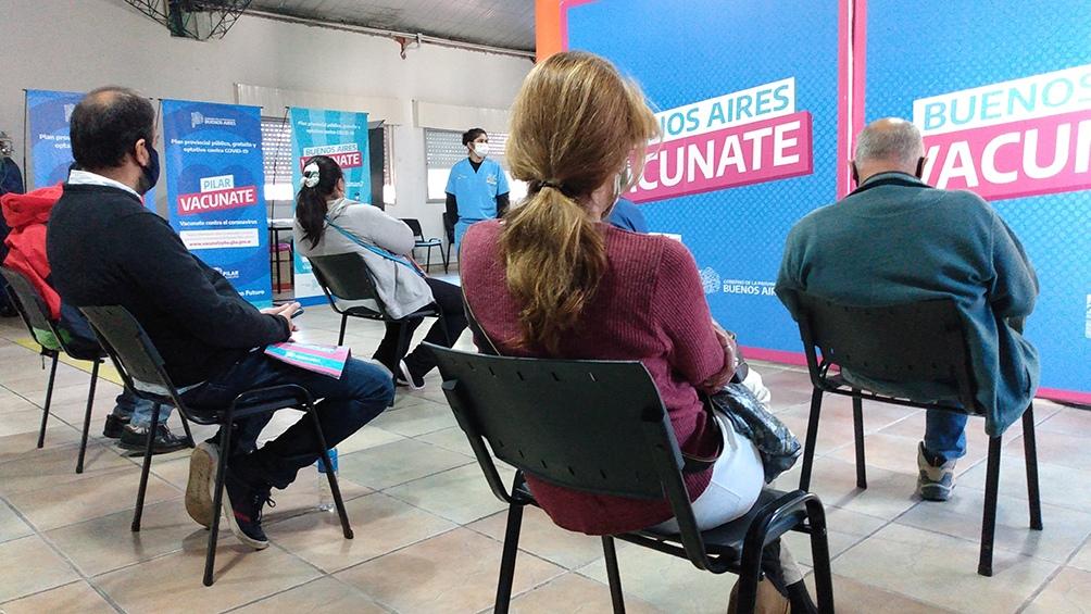 Todos los grupos etarios se inscriban para recibir la vacuna recibirán turnos de acuerdo con las prioridades epidemiológicas.