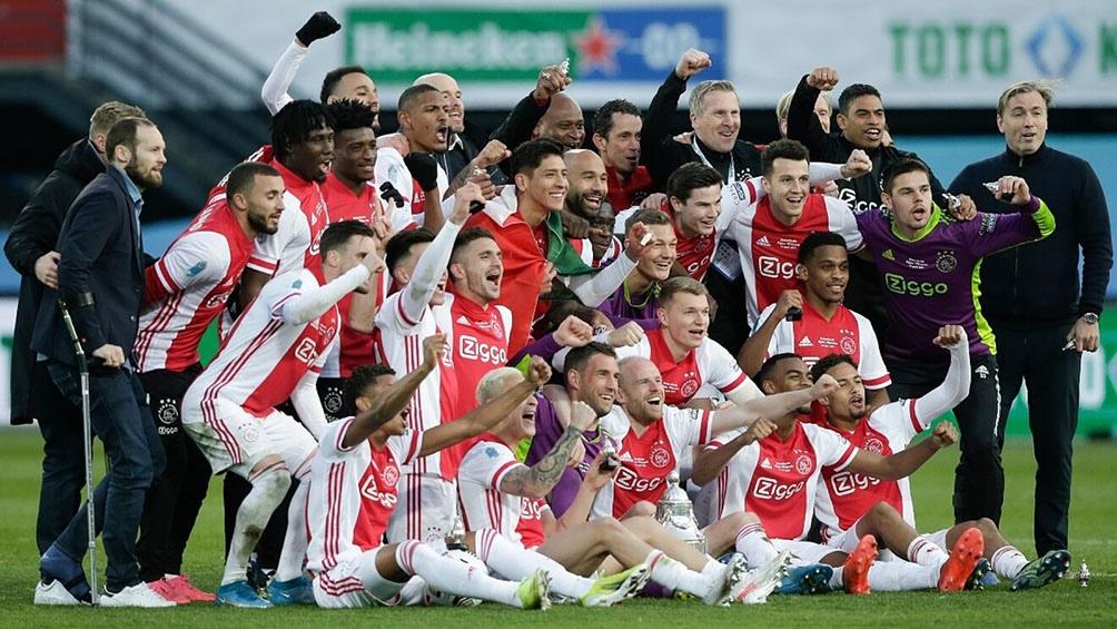 Para Tagliafico es el sexto título con Ajax, y para Martínez, el cuarto.