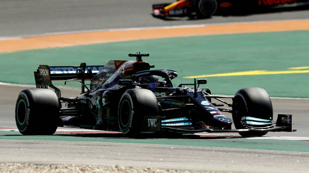 Hamilton consiguió en Portugal su segunda victoria del año