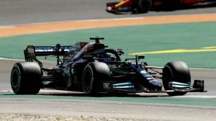Hamilton, el más rápido en las prácticas de Barcelona