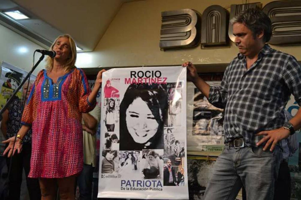 Bárbara y Camilo García, en un homenaje a su madre.