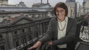 Funcionarios y personalidades de la política y los DDHH despidieron a Alcira Argumedo