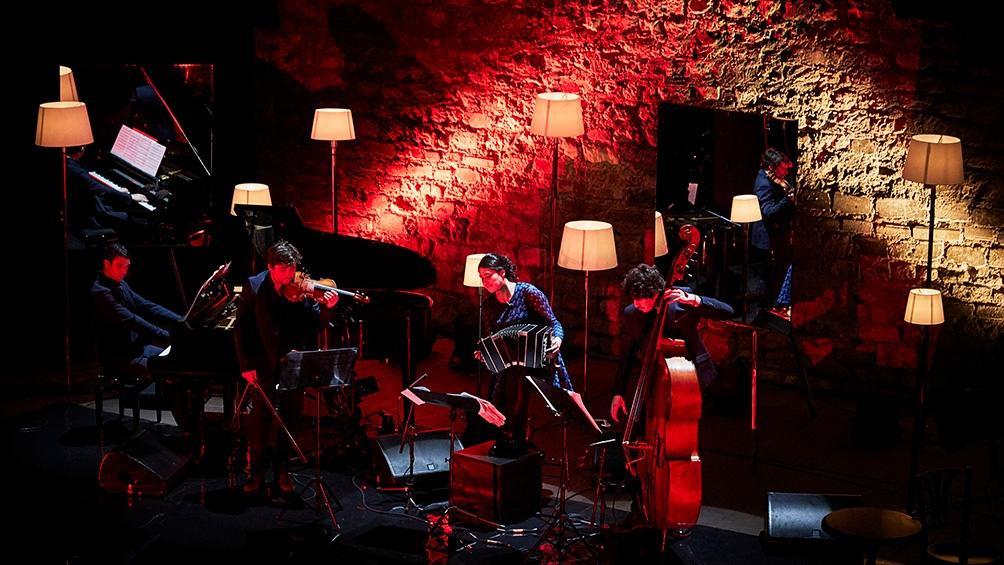 La bandoneonista reversiona a Piazzola
