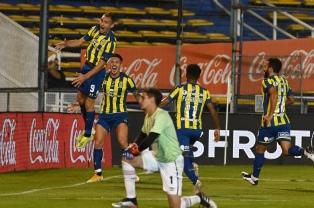 Rosario Central goleó a Newell's en el clásico disputado en el Gigante de Arroyito