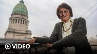 Alcira Argumedo, de la sociología al Congreso, una biografía signada por la crítica, la pasión y el rigor académico