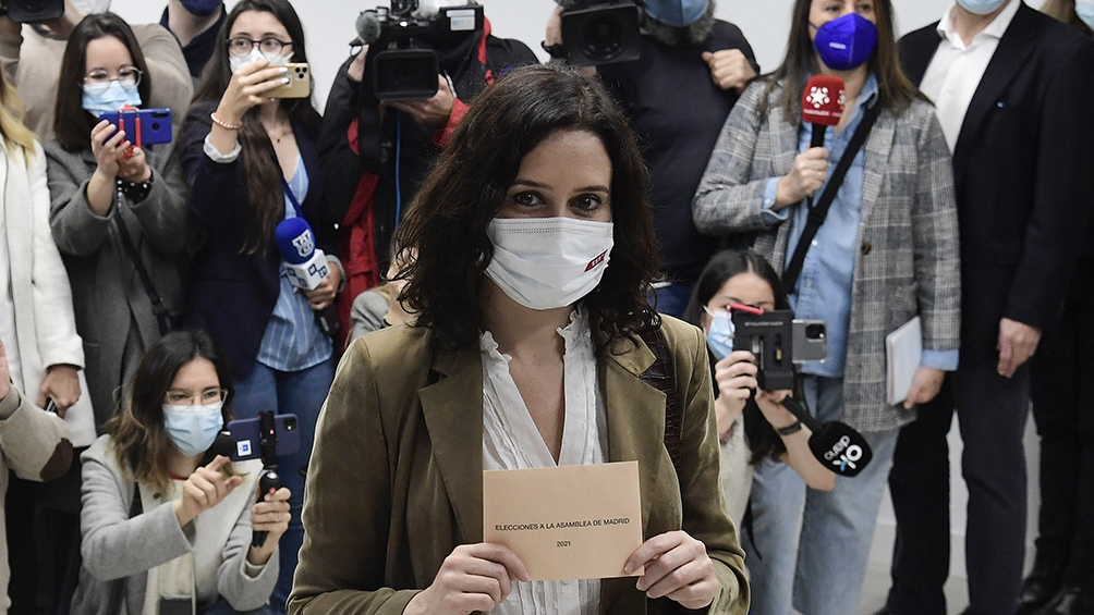 Isabel Díaz Ayuso, de Partido Popular, consigue la reelección.