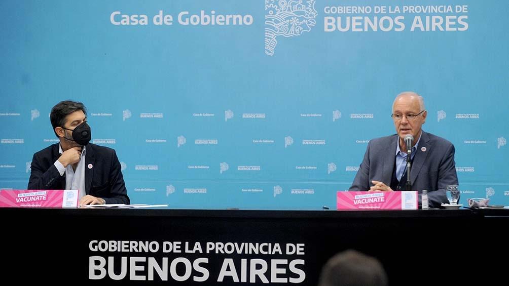 El funcionario encabezó una conferencia de prensa en La Plata junto al ministro de Salud, Daniel Gollan.