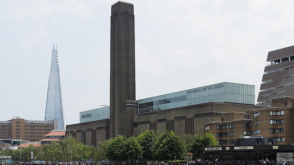 El emblemático edificio de la Tate Modern.