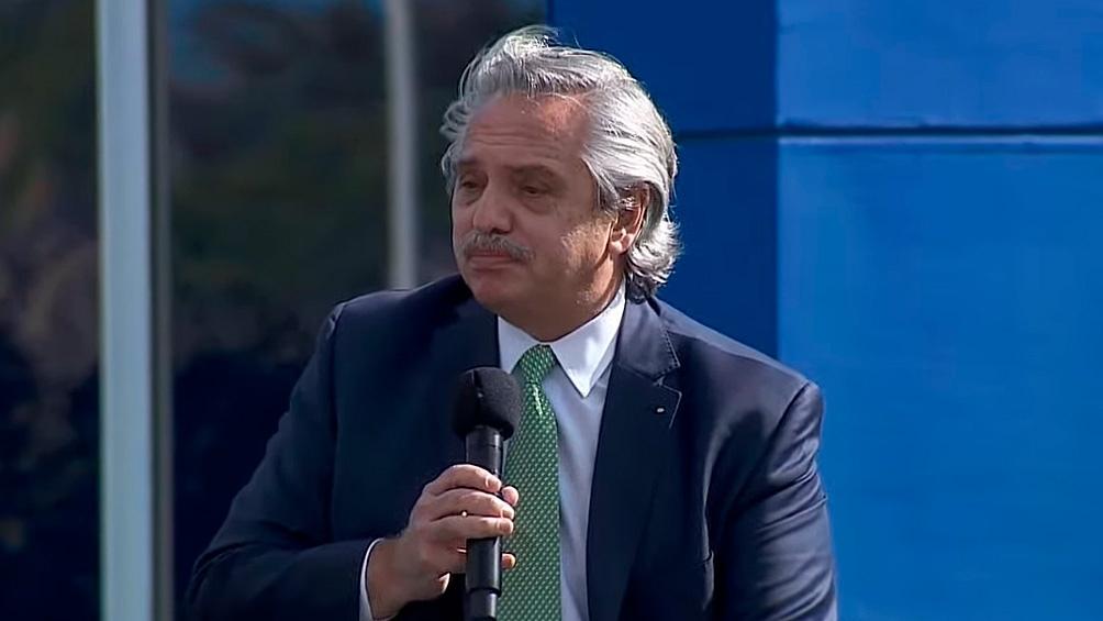 El Presidente durante habló durante un acto acto.