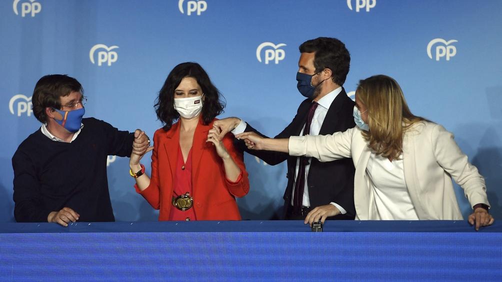 """Casado celebró anoche en Twitter la victoria y dijo que """"uniendo el voto del centro derecha derrotaremos a Sánchez"""