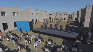 El Presidente presentó el Programa Reconstruir para finalizar 55 mil viviendas en el país