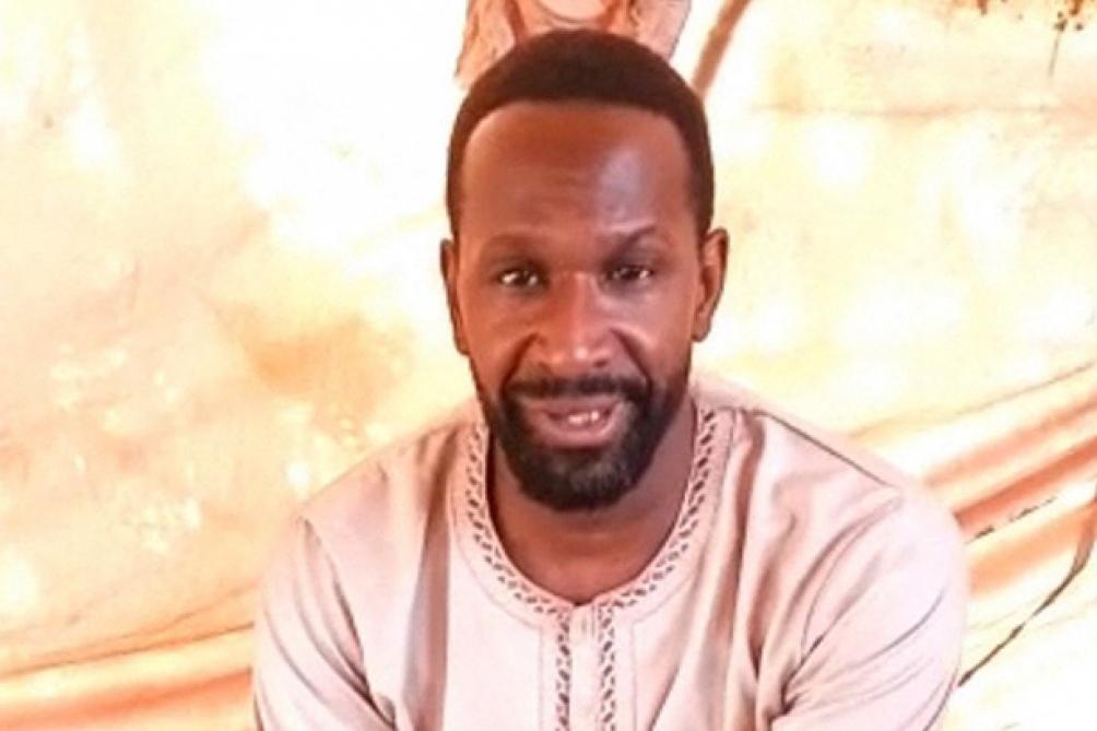 En un video de unos 20 segundos, Dubois dijo haber sido secuestrado el 8 de abril en la ciudad norteña de Gao por el Grupo de Apoyo al Islam y los Musulmanes
