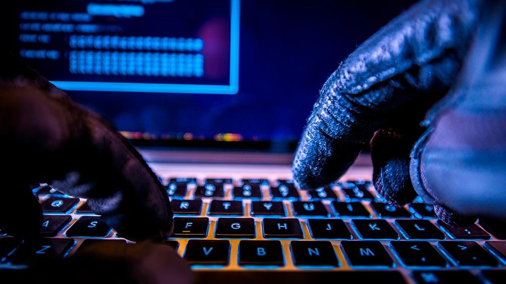 ciber delito hackeo estafa