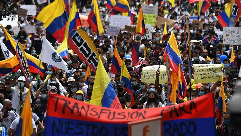 El gobierno colombiano insiste con su llamado al diálogo, mientras siguen las protestas