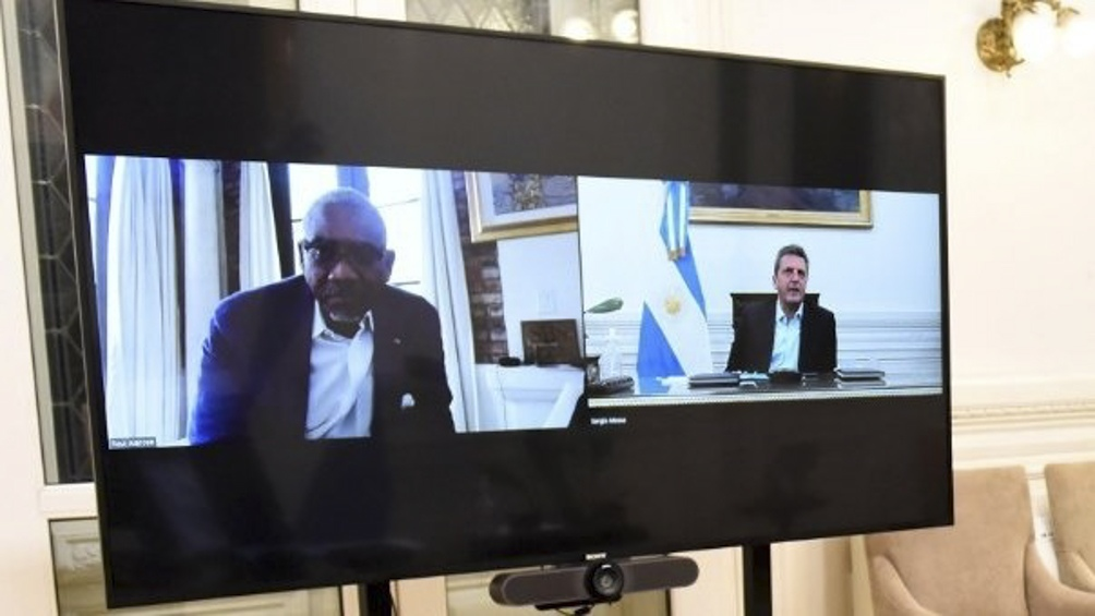 Legisladores demócratas de Estados Unidos lanzaron una iniciativa para que países muy afectados por la pandemia, entre ellos la Argentina, pueden ser eximidos por un tiempo, de ciertas obligaciones.
