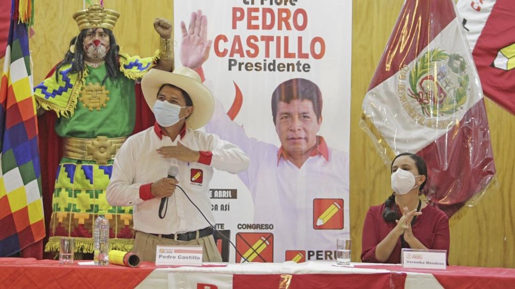 l escrutinio oficial ubicó primero a Castillo con un 50,12% a 44.058 votos de Fujimori, que alcanzó un 49,87%.