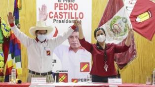 La izquierda de Verónika Mendoza acordó apoyar a Castillo en el balotaje