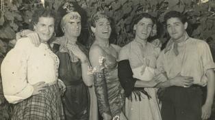 Las identidades transgénero, recuperadas en una serie y un archivo con 25 mil fotos y documentos