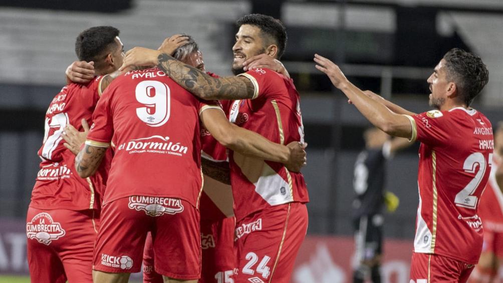 Argentinos Juniors juega contra Universidad Católica de Chile en busca de la clasificación