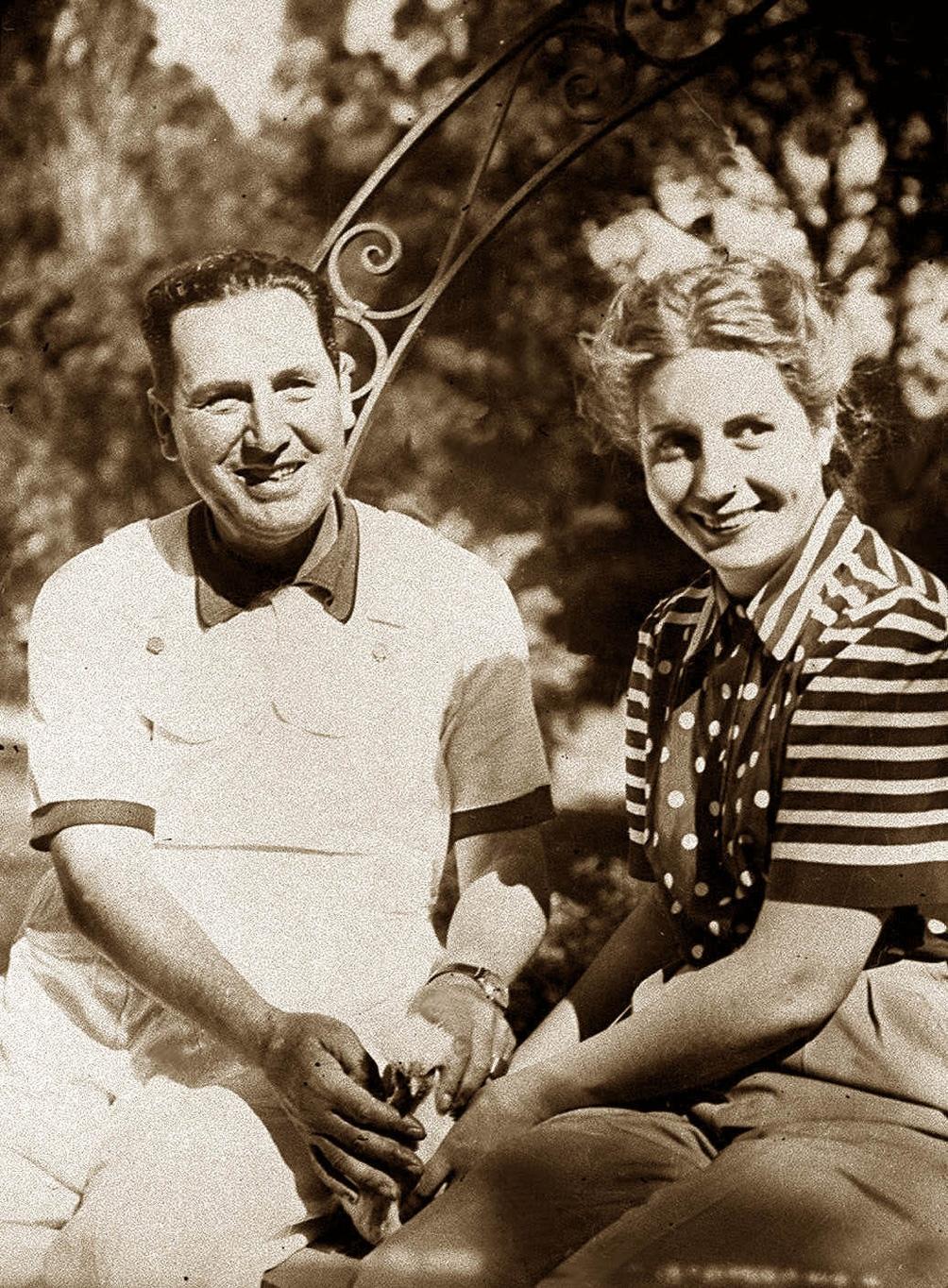 Perón sabía de un golpe en ciernes en su contra y la elección de Eva como compañera de fórmula pudo estar relacionada con esto.