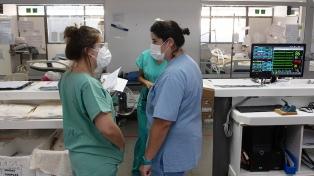 Anunciaron una línea de créditos para enfermeros y enfermeras bonaerenses