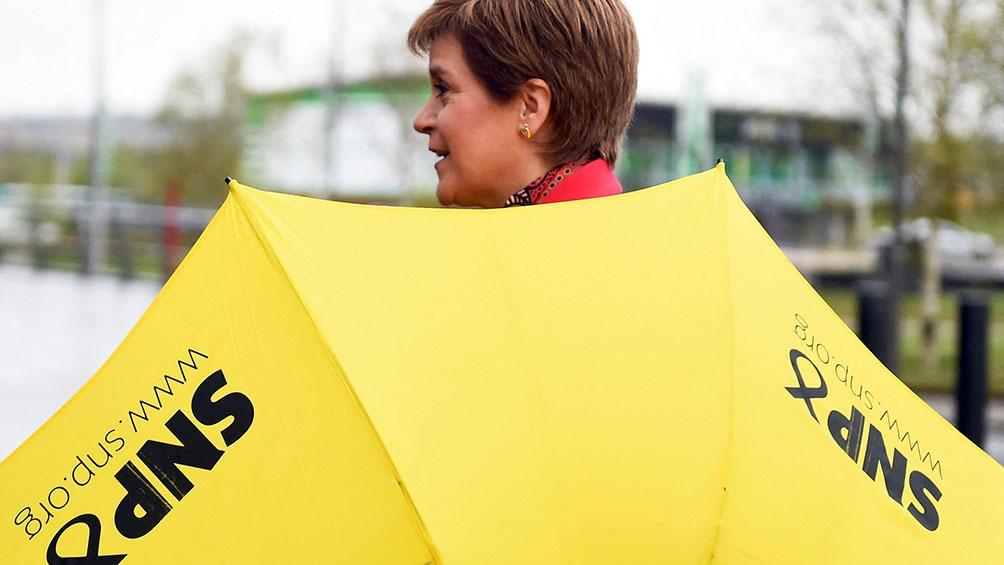 Los nacionalistas escoceses quedaron a una sola banca de conseguir la mayoría absoluta, una meta que se habían puesto para forzar al premier a aceptar una nueva consulta sobre la independencia.