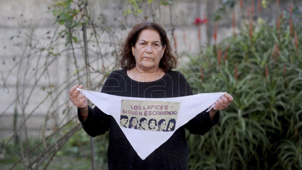 """""""Hoy más que nunca, hermano mío, te extraño mucho"""", expresó con emoción Marta. Foto: Eva Cabrera"""
