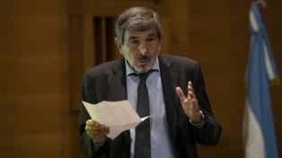 """Salvarezza dijo que """"es una estrategia posible"""" combinar las vacunas contra el coronavirus"""