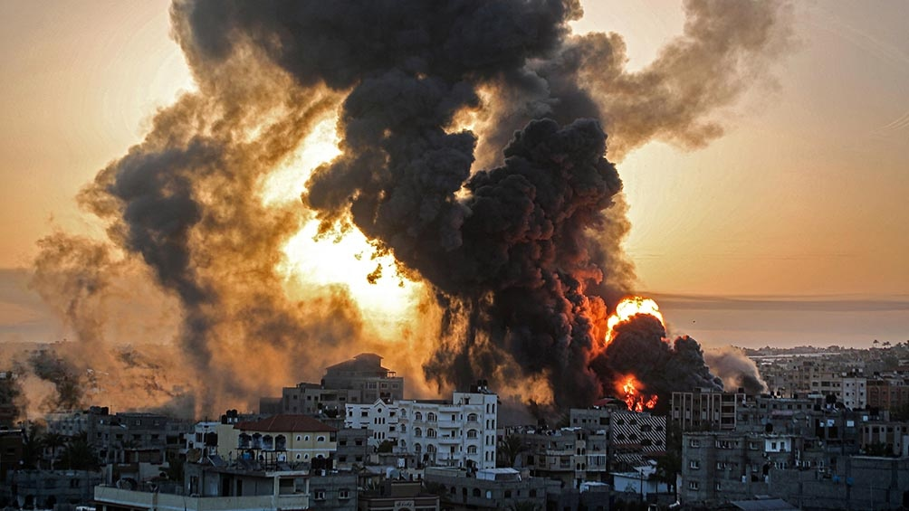 Pese al toque de queda, palestinos-isrealíes e israelíes de extrema derecha volvieron a enfrentarse este miércoles
