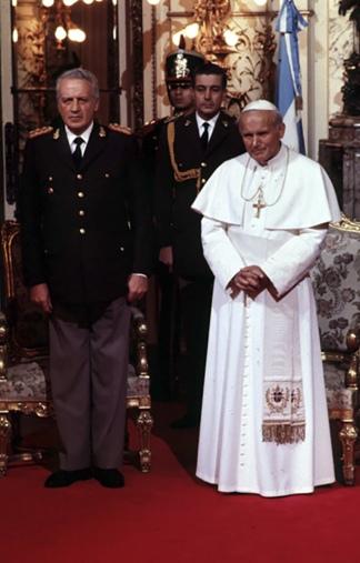 El Papa y el dictador Galtieri tuvieron una charla a solas el 12 de junio de 1982.