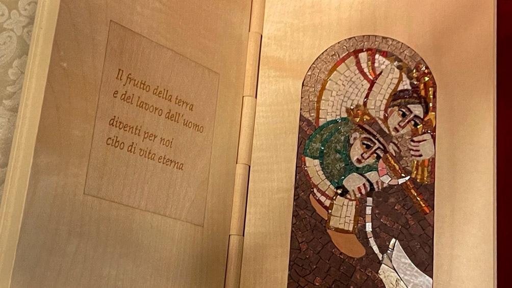 ENCUENTRO OFICIAL EN EL VATICANO: Los regalos entre el Papa y Alberto Fernández
