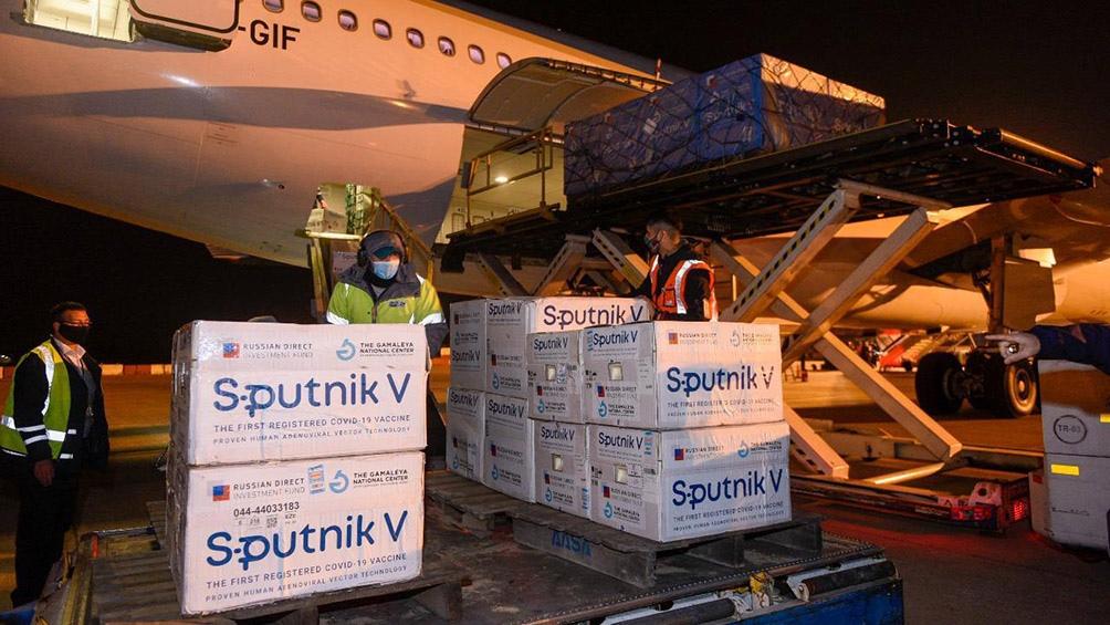 La próxima semana comenzarán a llegar las dosis de Oxford y AstraZeneca y del componente 2 de la Sputnik V.