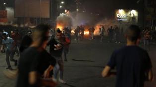 La ola de violencia intercomunitaria en Israel ya suma 374 detenidos y 36 policías heridos