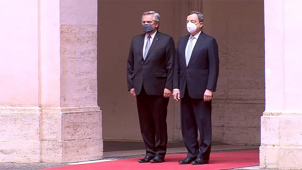 Alberto Fernández junto a Mario Draghi.