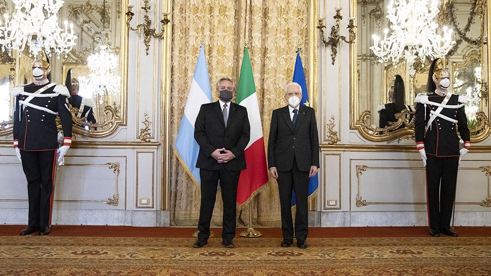El presidente y la delegación fueron agasajados con un almuerzo por el mandatario italiano, Sergio Mattarella.